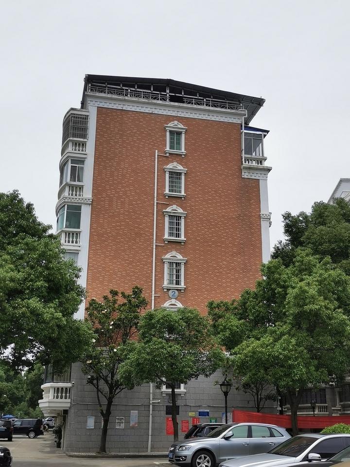 岳阳市岳阳楼区五里牌办事处花板桥居委会金桥花园2栋503房